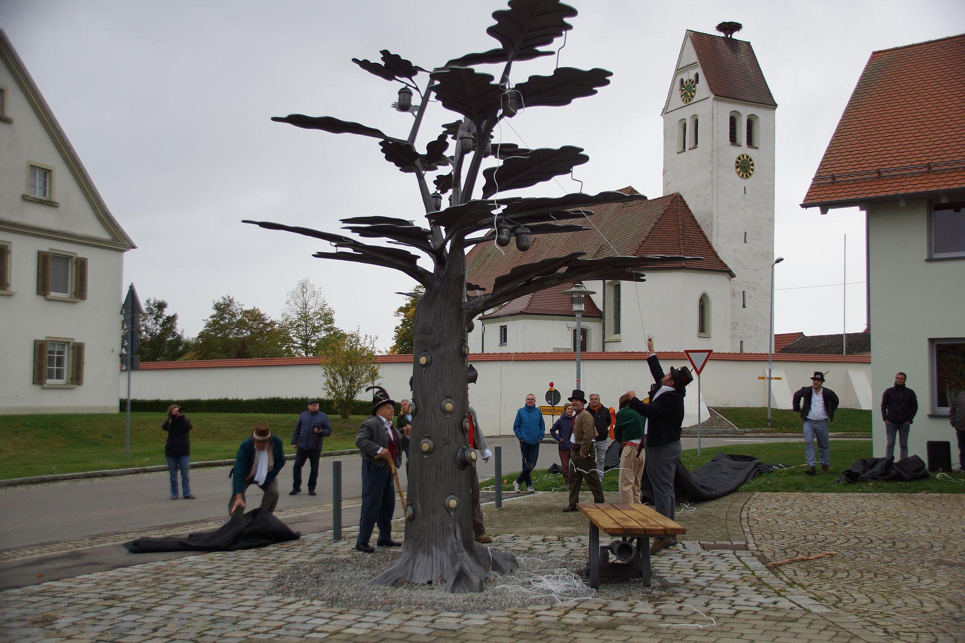 Der Räuberzinkenbaum wird enthüllt